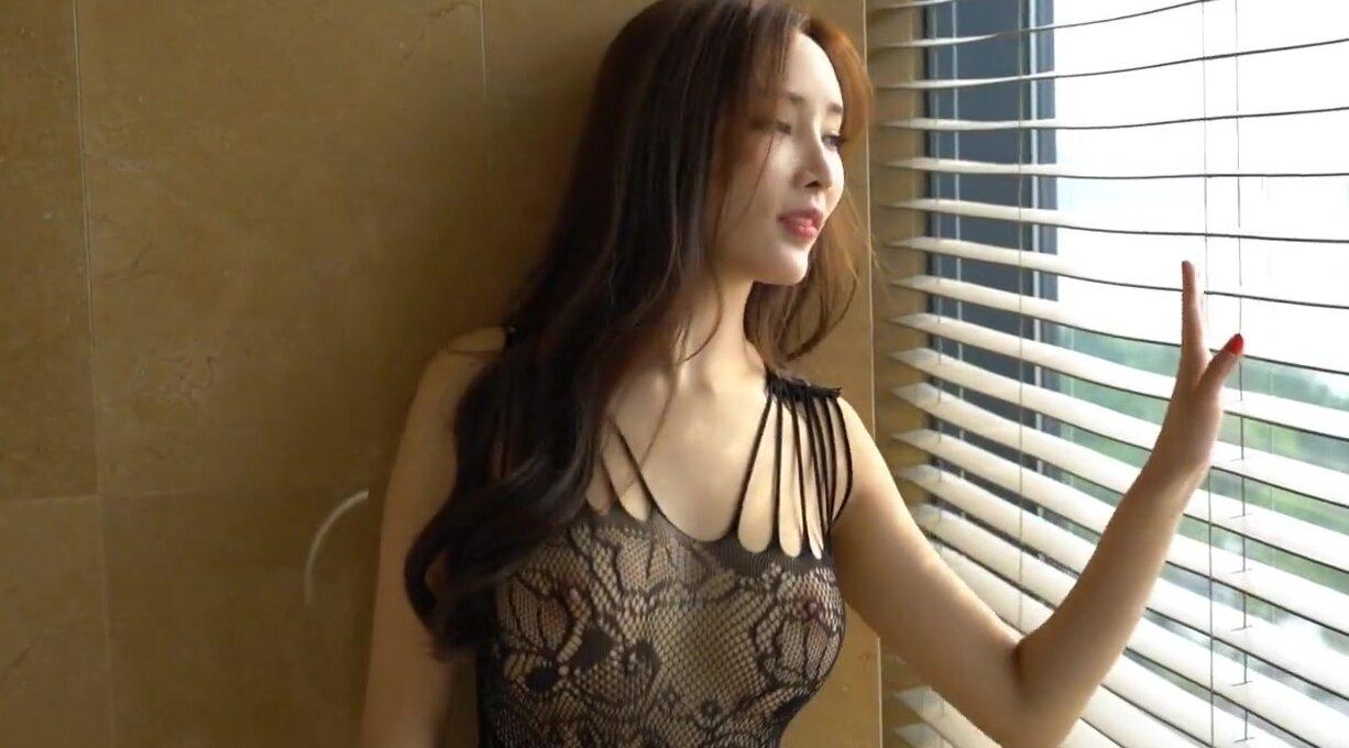Sexy Chinesisch Mädchen Masturbates